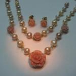 ansamblu de perle pastel cu corali roz
