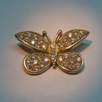 fluture din aur galben