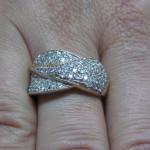 inel aur galben cu pietre albe