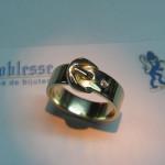 inel aur galben in forma de curea