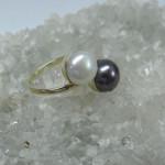 inel aurgalben cu perle